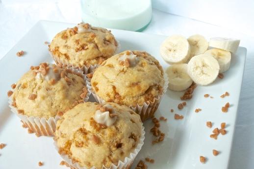 Banana Cream Toffee Muffins | Christina With Caramel