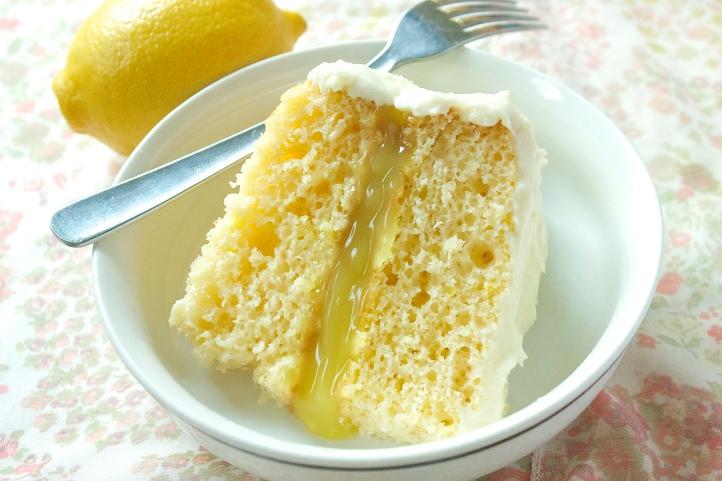 White Chocolate & Lemon Curd Cake | Christina With Caramel