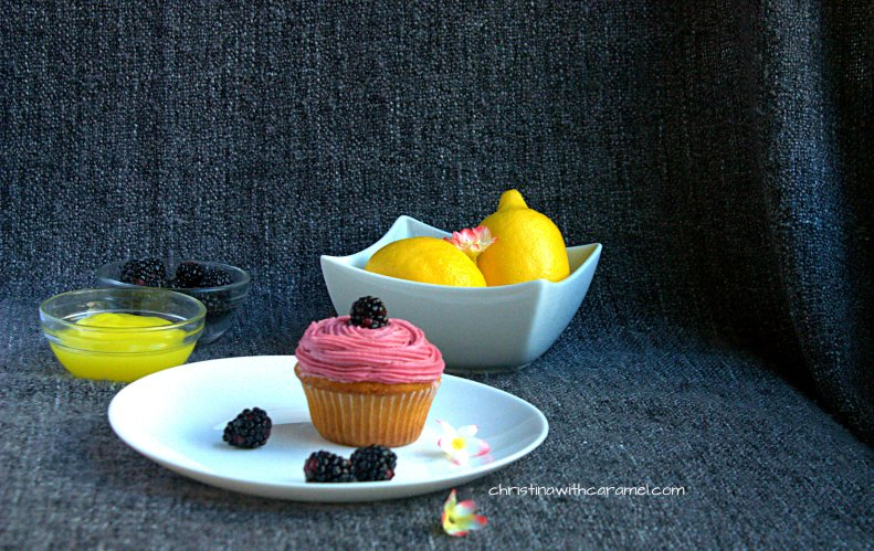 Blackberry Lemon Curd Cupcakes |Christina With Caramel
